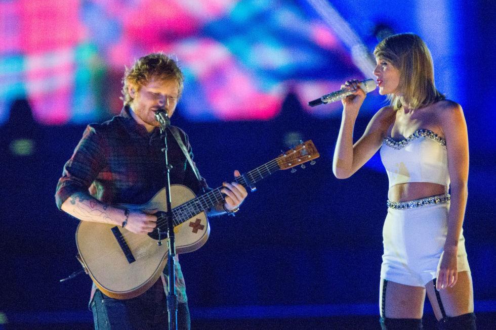 Taylor Swift perform Tenerife Sea with Ed Sheeran at Rock in Rio, USA!